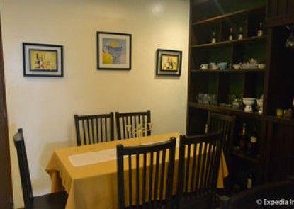 Twin Pines Suites