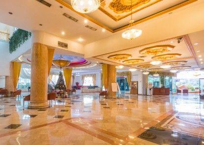 Twin Plaza Hotel Lobby