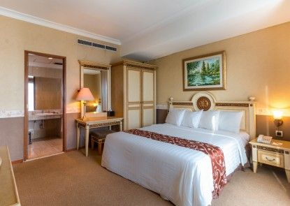Twin Plaza Hotel Ruangan Suite