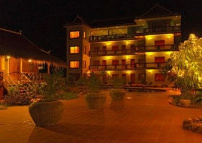 Two Moons Hotel