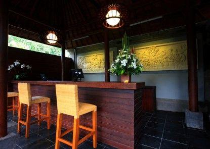Ubud Raya Hotel Pintu Masuk