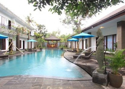 Ubud Raya Hotel Kolam Renang