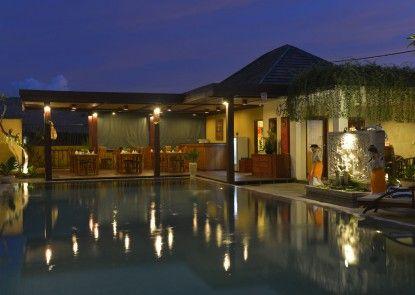 Uma Sri Bali Hotel Kolam Renang