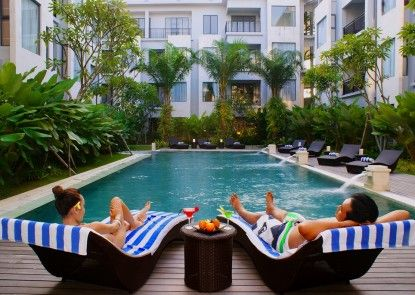Umalas Hotel and Residence Kolam Renang