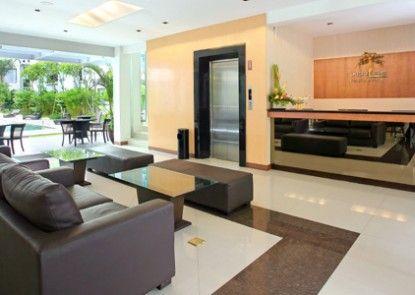 Umalas Hotel and Residence Lobby