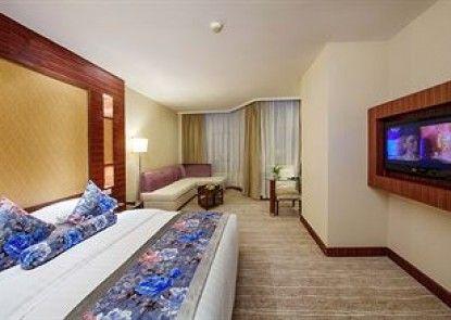 Universal House Grand Romance Hotel