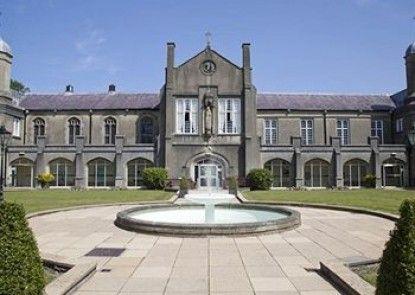 University Of Wales Trinity St David - Lloyd Thomas Centre