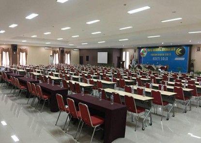 UNS Inn Ruang Pertemuan