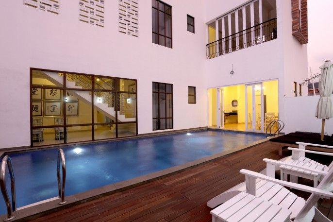 Urbanest Inn House Slipi, West Jakarta