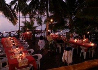 Va-i-moana Seaside Lodge