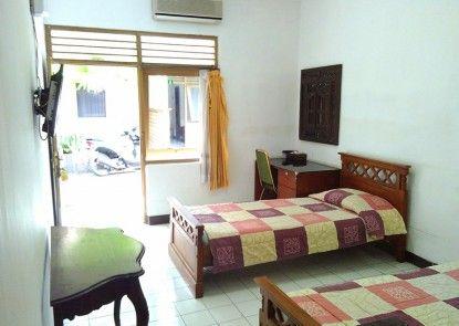 Vee Hotel Kamar Tamu