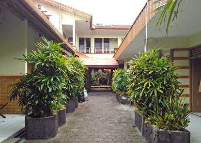Vee Hotel Taman