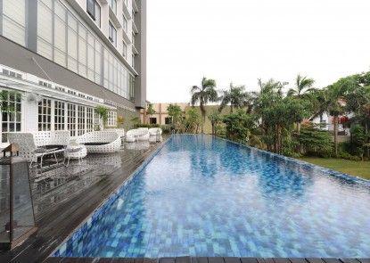 Veranda Hotel @ Pakubuwono by Breezbay Japan Kolam Renang