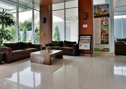 V Hotel Tebet Jakarta Lobby