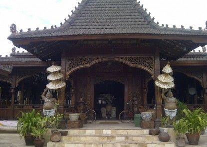 Villa Ketupat Pintu Masuk