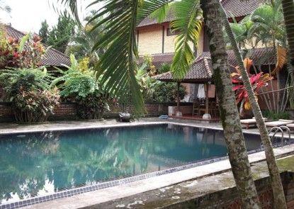 Villa Sanggingan Kolam Renang