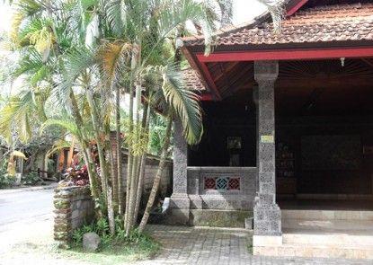 Villa Sanggingan Eksterior