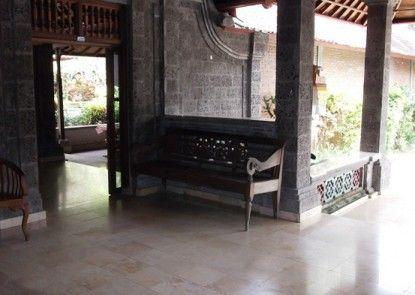 Villa Sanggingan Lobby