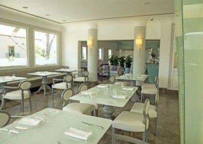 Villa Athena Hotel