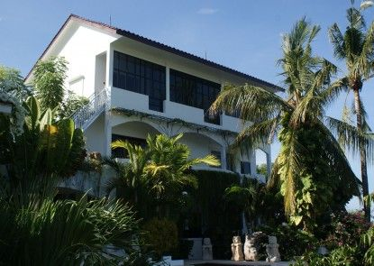 Villa Buah