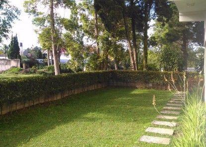 Villa Puri Teras Taman