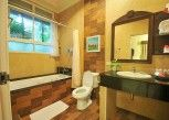Pesan Kamar Kamar Deluks di Villa Wanida Garden Resort