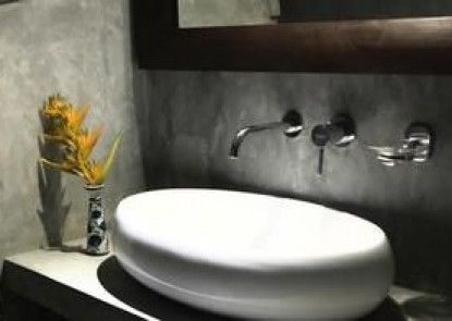 Villa Water Lily