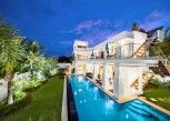 Pesan Kamar Deluxe 4 Bedrooms Villa Private Pool And Garden di Vip Villas Pattaya Hollywood Jomtien Beach