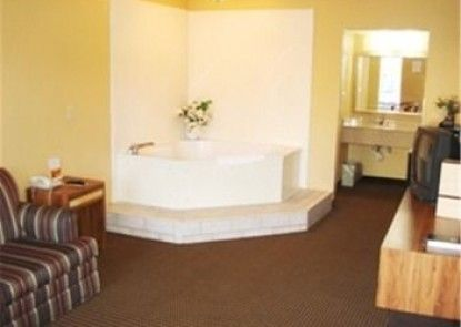 Vista Inn & Suites Airport East