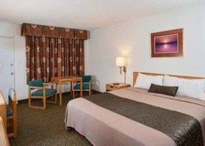 Voyageur Lakewalk Inn