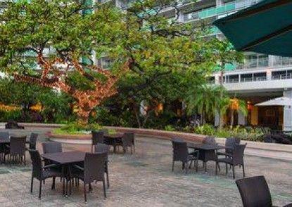 Waikiki Marina Resort at the Ilikai