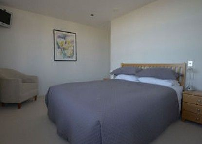 Waimahana Apartment 8
