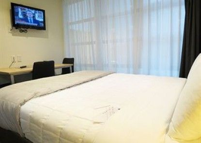 Waldorf Tetra Serviced Apartments