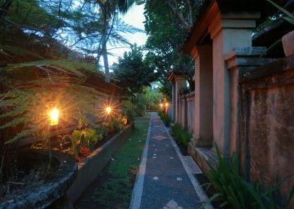 Warsa Garden Bungalows