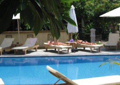 Warung Coco Guest House & Bungalows Teras