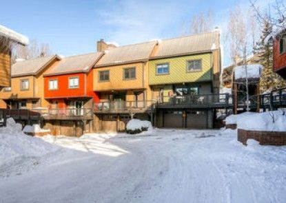 Waterford Townhomes by Steamboat Resorts