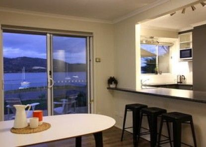 Waterfront Holiday Home - Esplanade 54