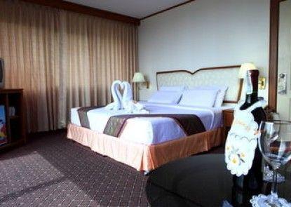 Wattana Park Hotel