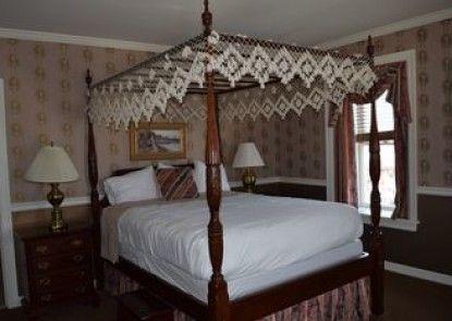 Waynebrook Inn, Est. 1865