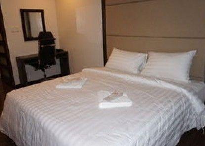 West Avenue Suites