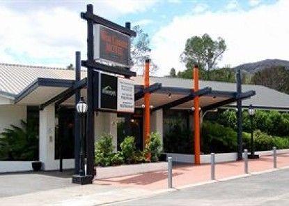 West Coaster Motel Teras