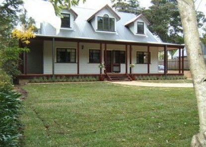 Whispering Pines Chalet & Cottages