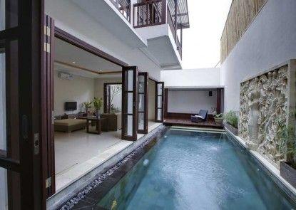 White Lotus Villa Kolam Renang
