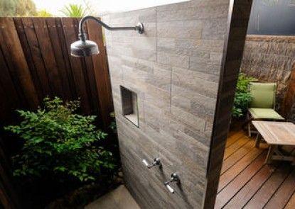 Whitesbeach Guesthouse