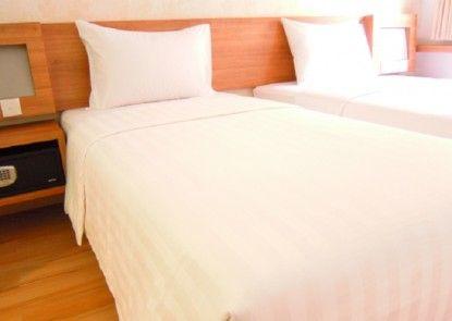 Whiz Hotel Cikini Jakarta Kamar Tamu