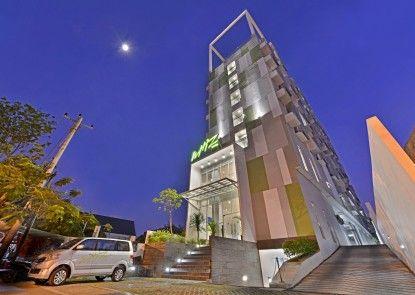 Whiz Hotel Pemuda Semarang Eksterior