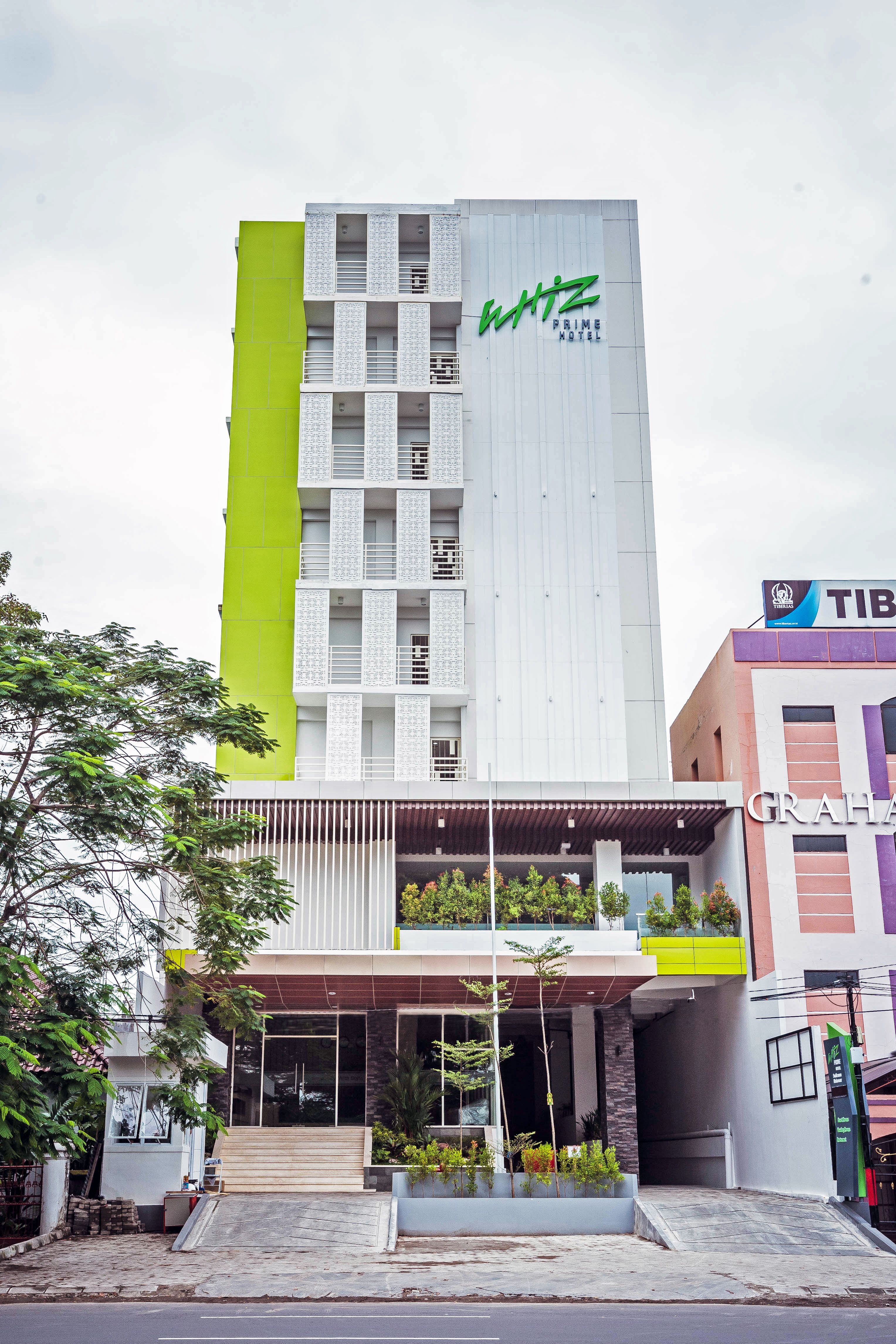 Hotels In Makassar Book Promo Hotel South Sulawesi Voucher Red Planet Bintang 2 Jakarta Whiz Prime Sudirman