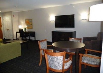 Wingate by Wyndham - Columbia