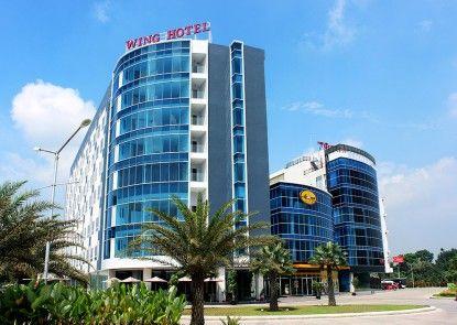 Wing Hotel Kualanamu Eksterior