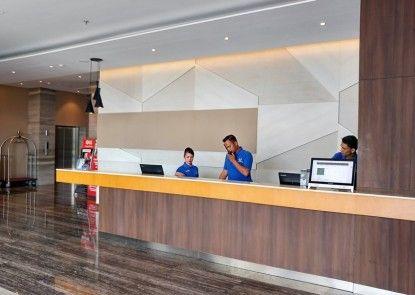 Wing Hotel Kualanamu Penerima Tamu